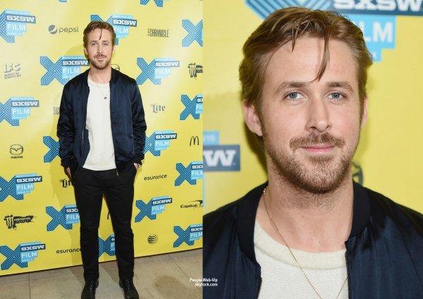"""Ryan Gosling aperçu au """"SXSW 2015"""" lors de la première de son film Lost River . L'acteur / réalisateur a été rejoint par son casting Eva Mendes, Saoirse Ronan, Ben Mendelsohn et Iain De Caestecker ( samedi soir (15 Mars) à Austin, Tex.)"""