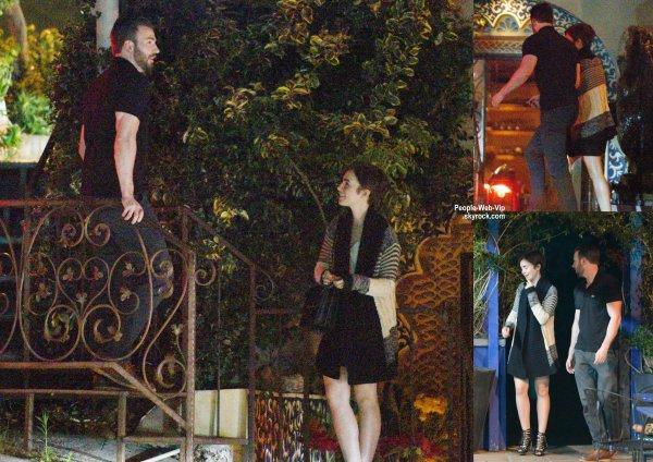 Chris Evans a été aperçue près d'un restaurant italien avec sa petite amie Lily Collins. (samedi (21 Mars) à Los Angeles.)