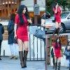 Kylie Jenner aperçue dans sa petite tenue rouge dans les rues de la Californie. (samedi (28 Mars) à Calabasas, en Californie.)