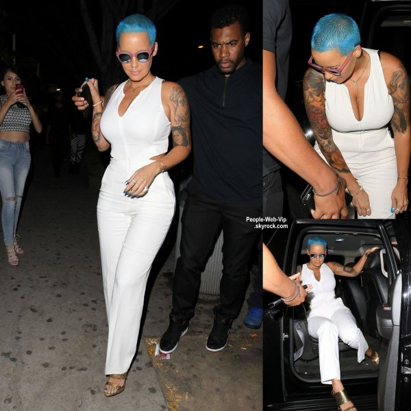Amber Rose a été aperçue avec sa nouvelle couleur de cheveux bleu en quittant la discothèque Penthouse  (dimanche (5 Avril) à West Hollywood, en Californie)
