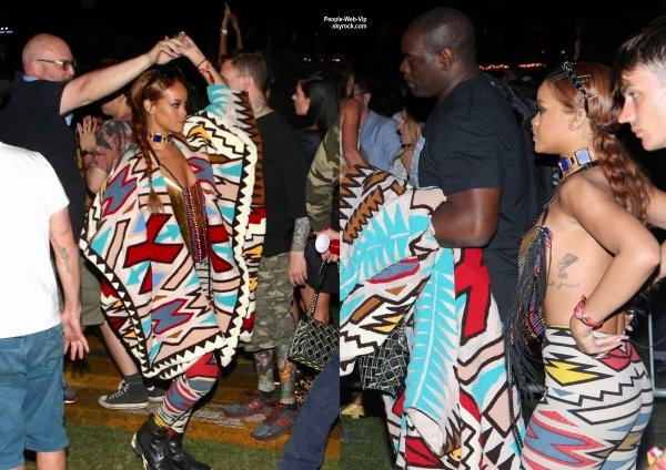 """Rihanna aperçue lors dans la foule au """"2015 Coachella Music Festival"""" ( dimanche (12 Avril) à Indio, en Californie.)"""