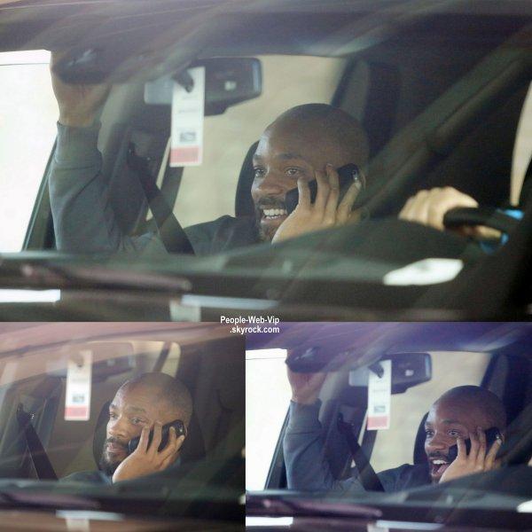 """Will Smith, la boule à Z (pour les besoins du film """"Suicide Squad """" )  a été aperçu dans les rues de Toronto. dans une voiture. (mardi (14 Avril) à Toronto, Canada.)"""