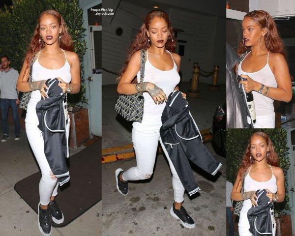 Rihanna a été aperçue dans les rues de Santa Monica (16 avril 2015)