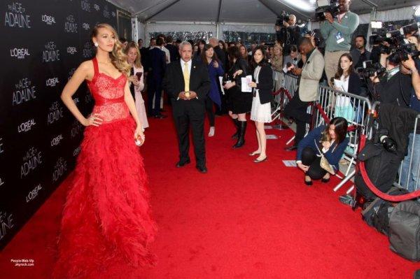 Glamour, Blake Lively a été aperçue à la première de son film The Age of Adaline au AMC Loews Lincoln Square Theater 13. (dimanche (19 Avril) à New York City.)