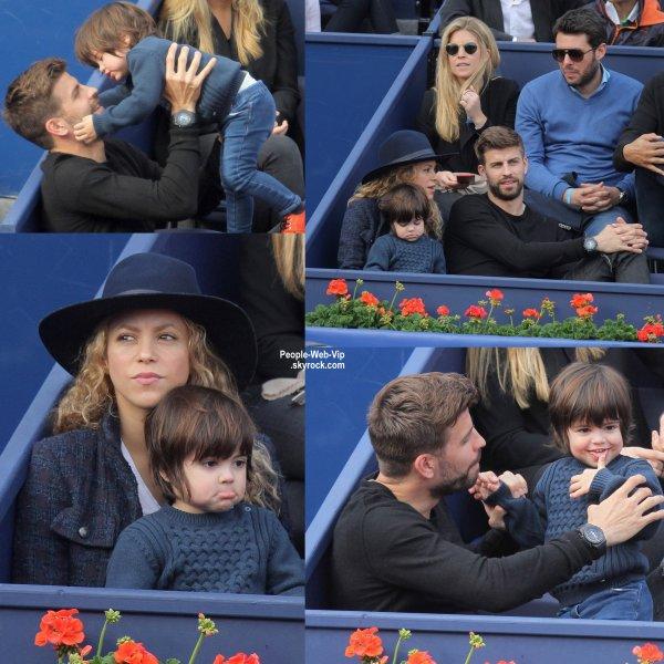 """Shakira a été aperçue avec son amoureux Gerard Piqué et leur adorable fils Milan lors du """"Barcelona Open Banc Sabadell"""" tenue au Real Club de Tenis Barcelona. (dimanche après-midi (26 Avril) à Barcelone, Espagne.)"""