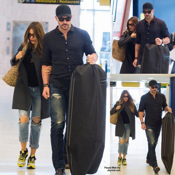 Sofia Vergara a été aperçue avec son fiancé Joe Manganiello à l'aéroport de LAX  (mercredi (6 mai) à Los Angeles.)