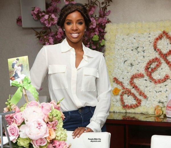 """Kelly Rowland a été aperçue au déjeuner """"#Amazinghood Campaign Lunch""""  au Gansevoort Park Avenue. (mercredi (6 mai) à New York.)"""