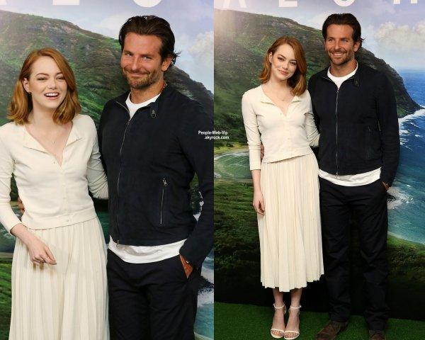 """Bradley Cooper assiste à une projection de son film """"Aloha"""" avec sa co-star Emma Stone à Soho Hôtel  (samedi (16 mai) à Londres, en Angleterre.)"""
