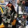 Rihanna a été aperçue dans les rues de New York. (vendredi après-midi (15 mai) à New York.)