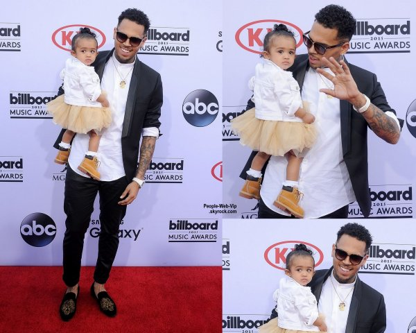 - Billboard Music Awards 2015 - RED CARPET - Chris Brown prend la pose avec sa fille Royalty sur le tapis rouge des Billboard Music Awards 2015 tenue au MGM Grand Garden Arena.  dimanche (17 mai) à Las Vegas.