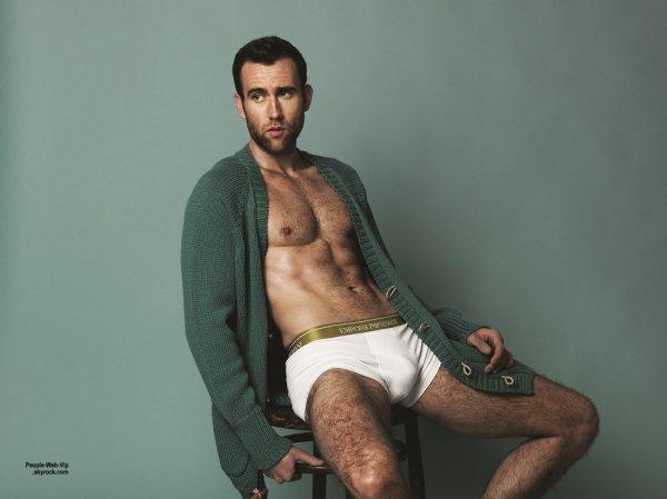 Matthew Lewis, l'acteur super chaud bien connu pour son rôle de Neville Londubat dans les films Harry Potter, exhibe son corps dans le nouveau numéro du magazine Attitude. Qu'en pensez vous?