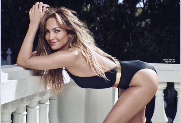 """Jennifer Lopez prend la pose pour le magazine """" US Weekly -THE BEST BODIES"""" a paraître en juin. Qu'en pensez vous ?"""