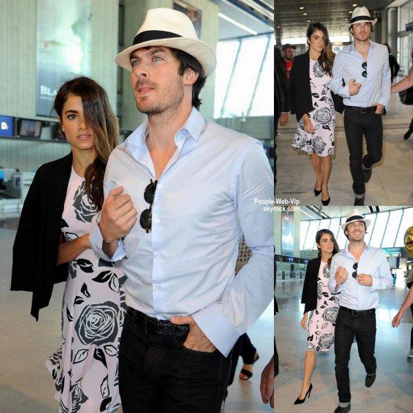 Cannes c'est fini pour eux ! Ian Somerhalder a été aperçu avec sa femme Nikki Reed à l'aéroport. Le couple a été aperçus sur le tapis rouge du Festival de Cannes 2015, où ils ont fait leur première apparition comme un couple marié. ( vendredi après-midi (22 mai) à Nice, France.)