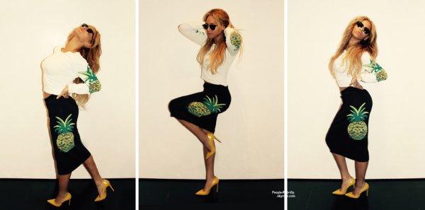 Beyonce a été aperçue dans les rues de New York. ( vendredi (29 mai) à New York.)