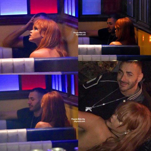 Surprise, c'est pendant ses vacances à New York que Karim Benzema en a profité pour aller manger avec Rihanna. Les deux célébrités ont été aperçues dans un restaurant à cinq heures du matin après s'être rendus dans une boite de nuit. Affaire a suivre. ( lundi (1 Juin) à New York.)
