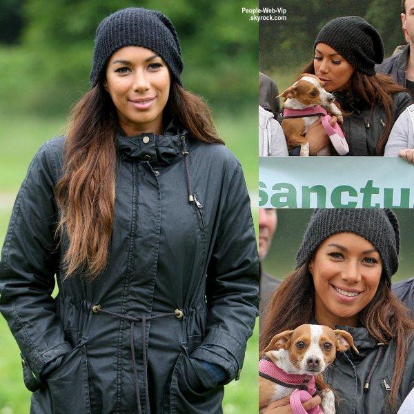 """Leona Lewis a été aperçue pendant une collecte de fonds pour le """" 2015 Animal Sanctuary Fundraising Walk""""   ( dimanche (14 Juin) à Brentwood, en Angleterre.)"""