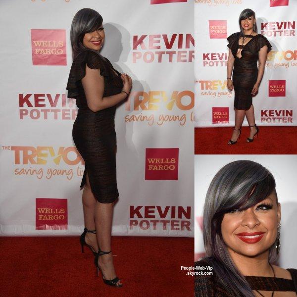 """Raven Symone prend la pose en arrivant à la """"2015 TrevorLIVE Event"""" honorant Sir Ian McKellen. (lundi soir (15 Juin) à New York.)"""
