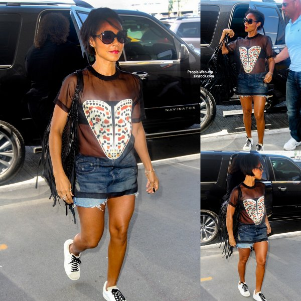 Aperçue : Jada Pinkett Smith en arrivant à l'aéroport de LAX à Los Angeles  (dimanche (21 Juin).