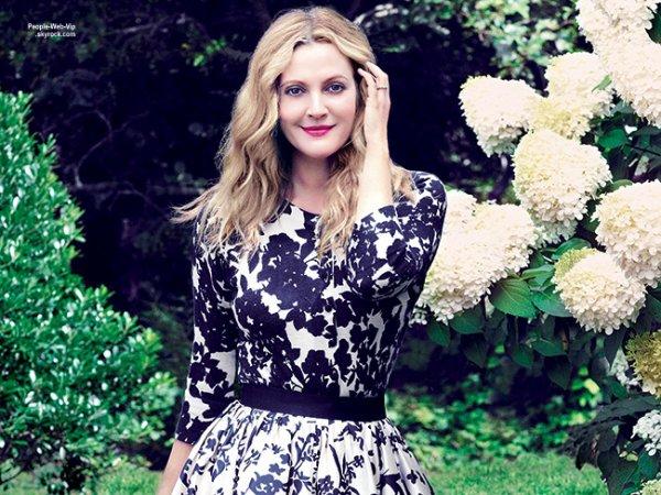 """Drew Barrymore pose en couverture du magazine """"Hamptons """" Qu'en pensez vous?"""