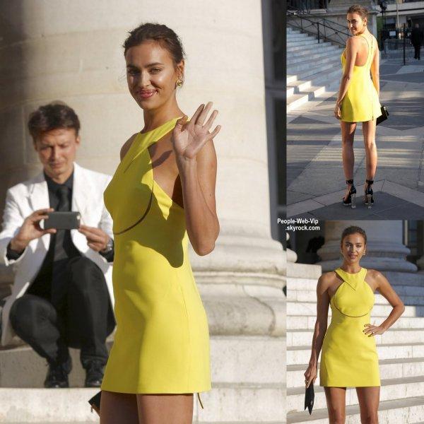 """Rosie Huntington-Whiteley et Irina Shayk arrive à """"Atelier Versace Show"""" pendant la Fashion Week parisienne Haute Couture Automne / Hiver 2015/2016  (dimanche (Juillet 5) à Paris, France.)"""