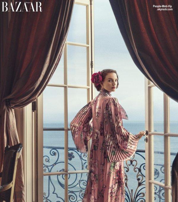 """Natalie Portman prend la pose dans une robe Prada sur la couverture du magazine """"Harper's Bazaar """" Qu'en pensez vous?"""