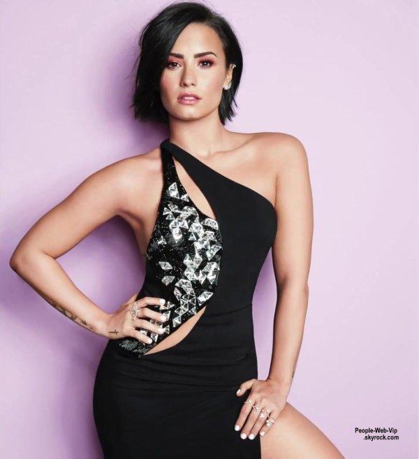 """Demi Lovato prend la pose pour le magazine """"Cosmopolitan"""" a paraître en septembre. Qu'en pensez vous?"""