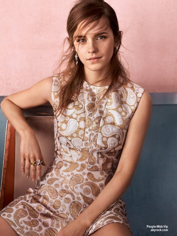 "Emma Watson : Découvrez son photoshoot pour le magazine de Septembre 2015 du magazine "" Vogue UK"" On aime ?"