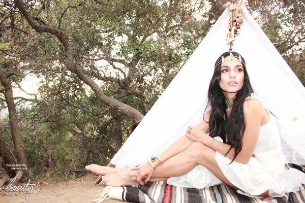 """Vanessa Hudgens prend la pose pour """" BeautyCoach.com."""" Qu'en pensez vous?"""