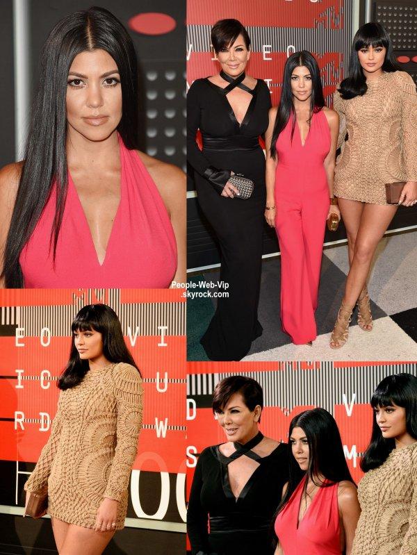 - 2015 MTV Video Music Awards - RED CARPET  Amber Rose, Blac Chyna, Kylie Jenner,  Kourtney Kardashian, Kris Jenner, Taylor Swift, Demi Lovato, Vanessa Hudgens, et Justin Bieber au Théâtre Microsoft. (dimanche (30 Août) à Los Angeles.)