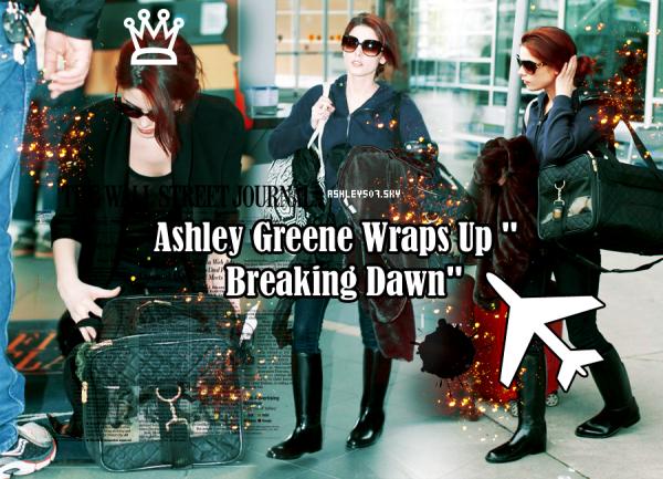 16.04.2011  Hopping un vol en route vers les États-Unis, Ashley Greene a été repéré en passant par l' aéroport international de Vancouver jeudi après-midi.