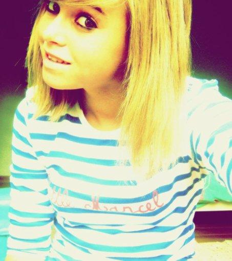 >> On a tous besoin d'une personne pour avancer, moi j'ai besoin d'elle ♥.
