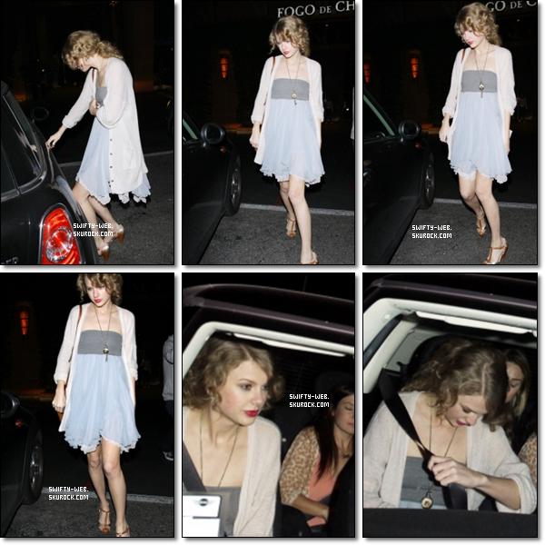 Jeudi soir, Taylor est allée dîner à Fogo de Chao à Beverly Hills avec son amie Emma Stone et deux autres filles. Un TOP pour miss Tay' ! :)