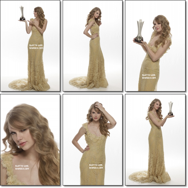 La suite du photoshoot de Taylor avec son award !