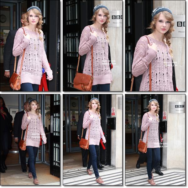 25.10.10 - Taylor et Selena sont sorties dîner à Londres, en Angleterre. Côté tenue, un bof pour notre Taylor. Elle nous a sorti son look de grand-mère :P