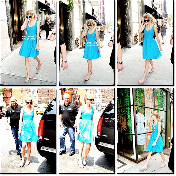 Le 21 juillet, Taylor Swift faisait du shopping dans les rues de New York ! Pour sa robe, bon, j'aime bien mais elle est trop ... bleue :p