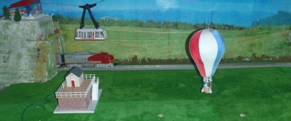 nouvaut hot air ballon de chez lionel usa cirque pinder et f te foraine en miniature. Black Bedroom Furniture Sets. Home Design Ideas