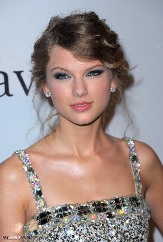 Taylor Swift aka the lucky bitch....