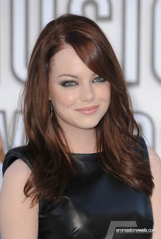 Emma Stone aside to be just gorgeous she's also funny!