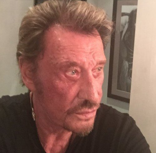Johnny Hallyday hospitalisé d'urgence. | Minute People