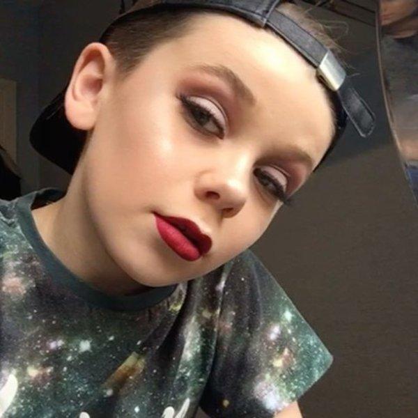 À 10 ans, il se maquille mieux que toutes les femmes