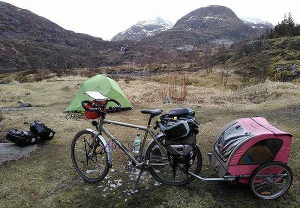 12 000 km à vélo avec un chien ! L'aventure hors normes d'Amandine et Jah-li