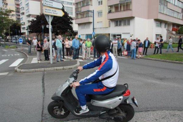 Rodéos à moto à Brest. Face à face tendu entre riverains et jeunes