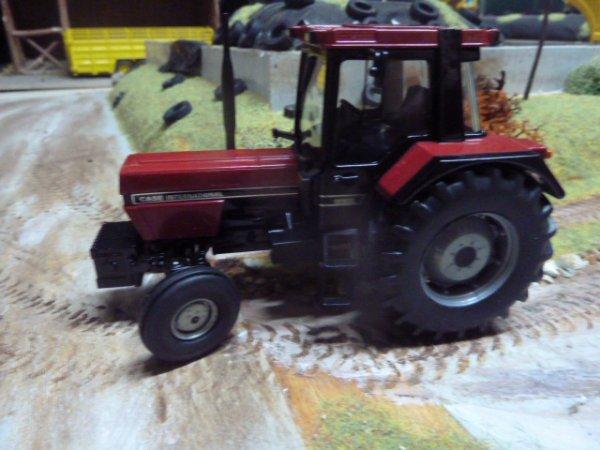 IH 956 xl