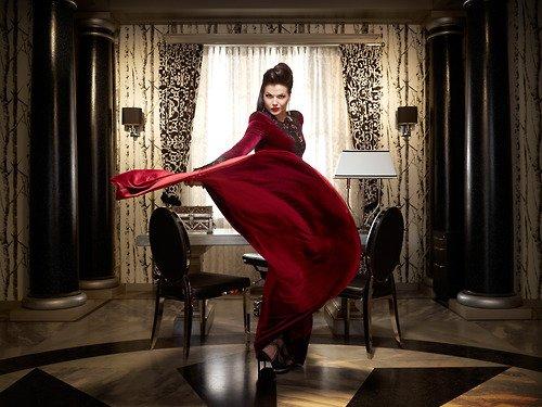 Photos promotiotionelles saison 2 La Méchante reine