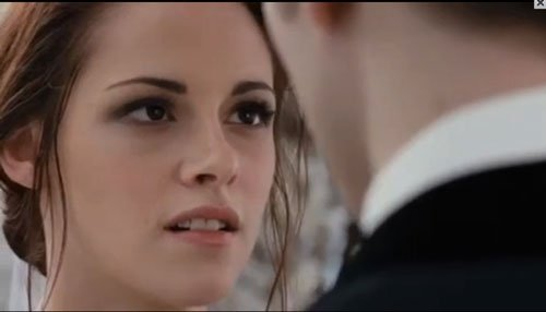 Bella regarde Edward ! <3