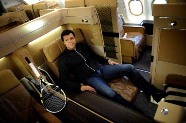 Jo dans son avion