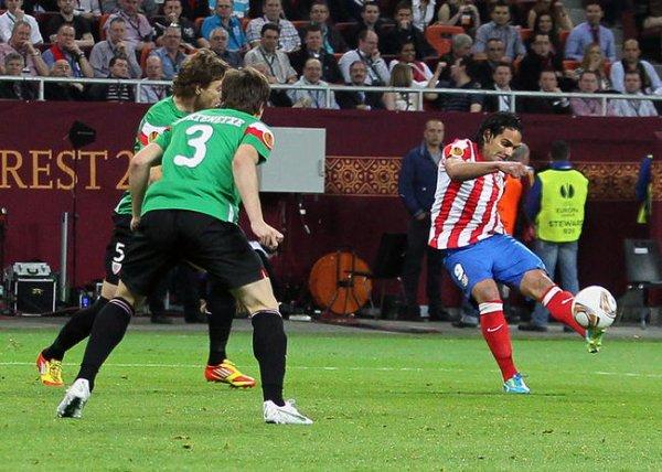 L'Atletico Madrid gagne l'europa league / El Atletico de Madrid gana la europa league