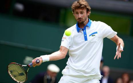 Juan Carlos Ferrero prendra sa retraite en fin de saison apres le tournoi de Valencia . Il a été numero 1 mondial et a remporté Roland Garros