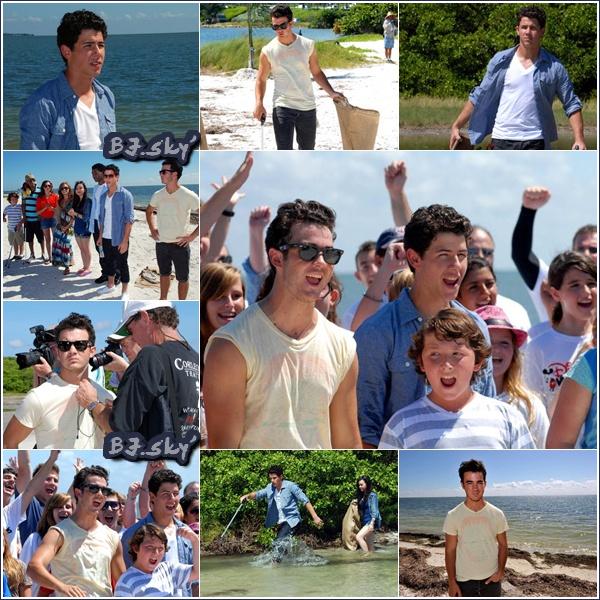 07/09/10  | NJ, K2 et acteurs de CR2 ont participés aux nettoyages des plages , à Tampa.   Voilà des Jonas généreux, même en tourné « nothing can stop them ». Joe, t'es où ? Fini d'offrir de ton aide ?