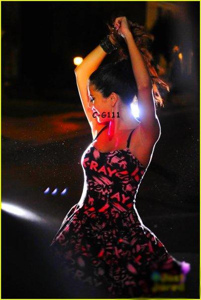 Selena , et son nouveau CLIP ( IMAGES )